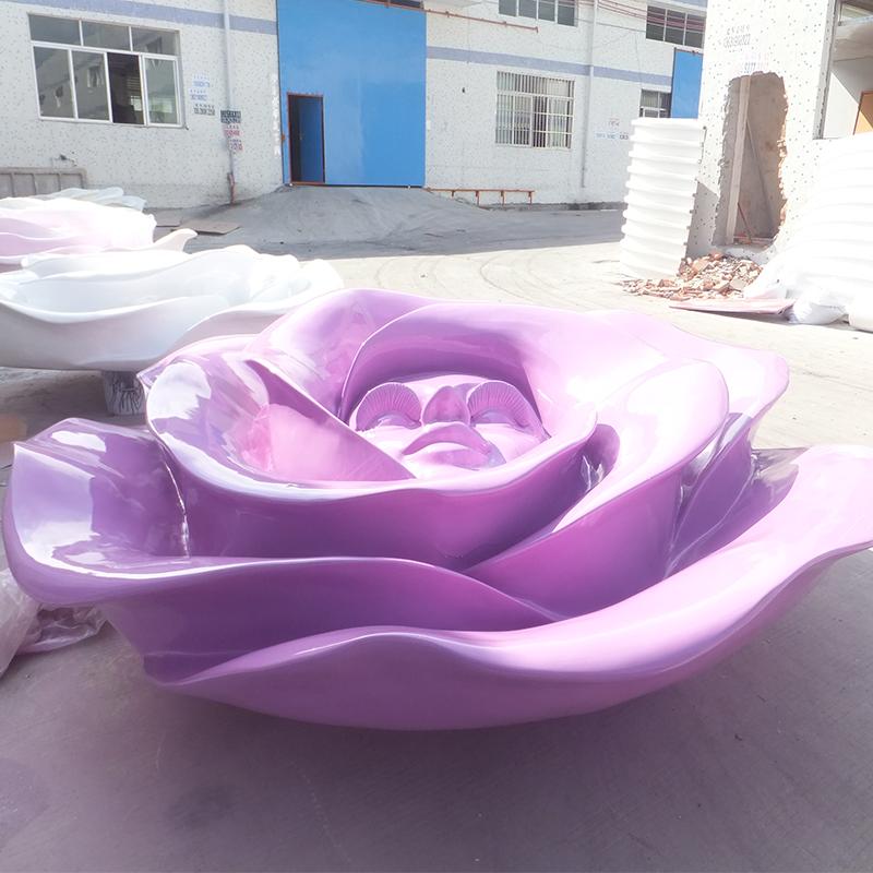 美人花朵雕塑.jpg